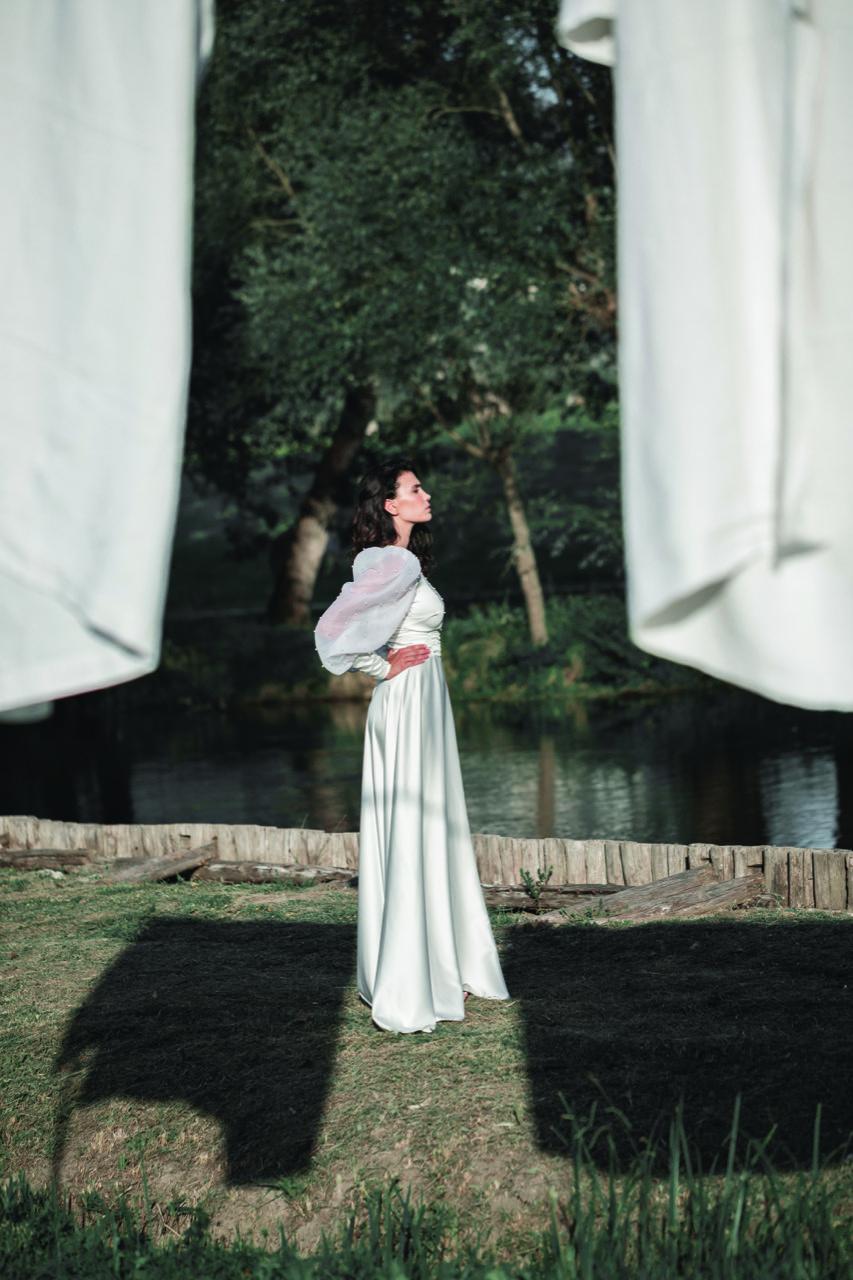 abiti da sposa-abiti nuziali-artigianali-collezione 2020-modello italia