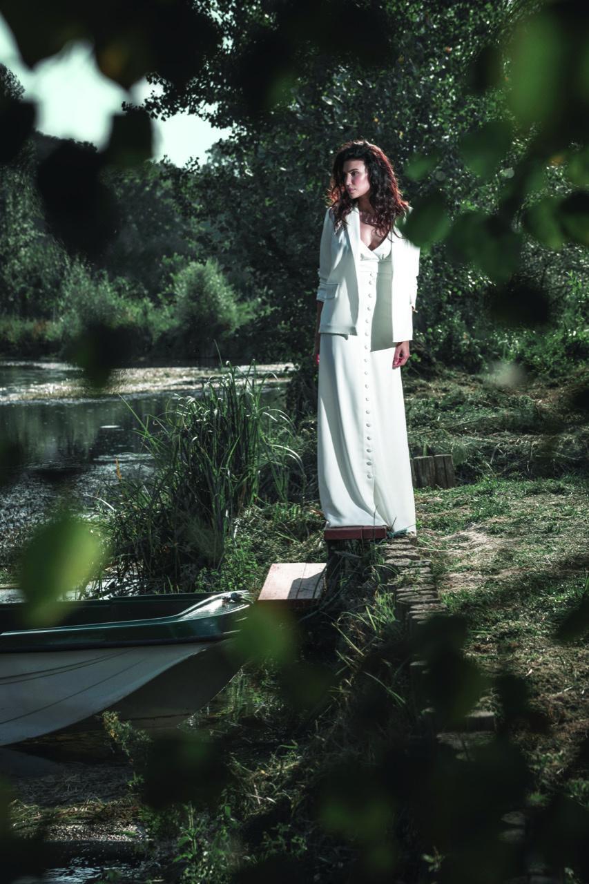abiti da sposa-abiti nuziali-artigianali-collezione 2020-modello spagna-biancadottobre