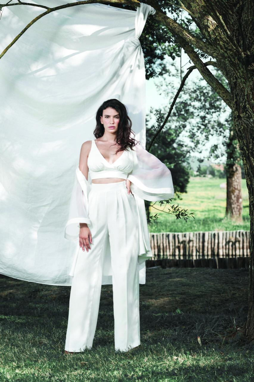 biancadottobre-abiti da sposa-abiti nuziali-artigianali-collezione 2020- modello Asia